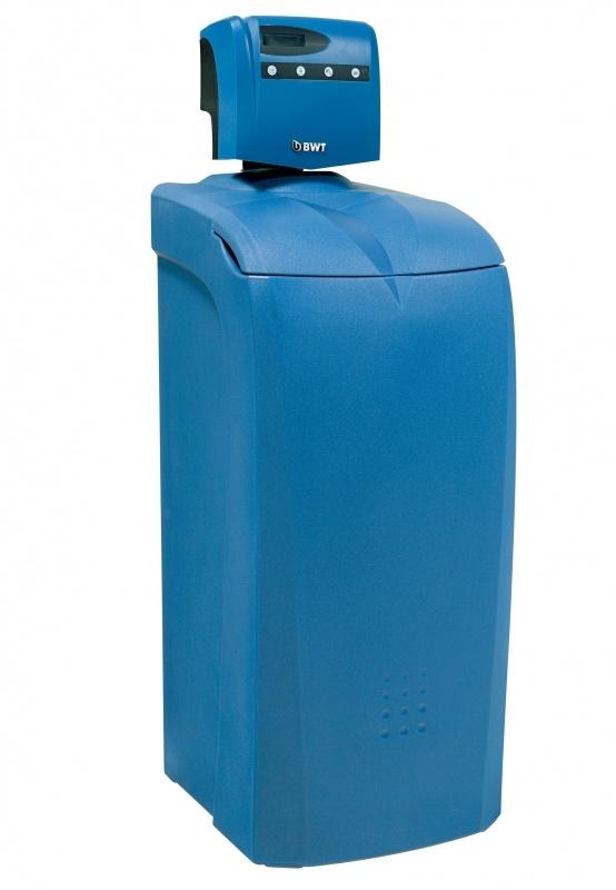 Умягчитель воды кабинетного типа